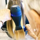 La dernière génération de sèche-cheveux !!! Disponible sur notre site.   Et là, tout est dit 👇🏽   #Repost @gammapiufr • • • • • • Comment prenez-vous soin de vos cheveux? 💆♀️  Un lavage correct et non agressif est essentiel, mais un séchage doux avec une chaleur modérée est tout aussi important pour ne pas endommager la cuticule du cheveu 🛡.  🌀 Le sèche-cheveux #Plasma est idéal car, grâce à l'action combinée de #OxygenActive et #AriaIonized, il protège la tige et garantit des cheveux doux, soyeux et brillants. ✨ Un vrai soin de beauté au quotidien. #LOVEYOURHAIR 💙  #HealthyHair #sechecheveux  #brushing #brushing #coiffure #coiffeur #coiffeuse #cheveux #hairdresser #hair #france #paris #stylist #styliste #saloncoiffure #salon #cheveuxdoux #cheveuxbrillants #beauté