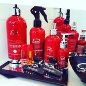 Une gamme de traitement spécialement élaboré pour rajeunir et prendre soin du cheveu abîmé, sec ou chimiquement traité. . . Voulez-vous la tenter ?  . . @kerarganicofficial #KerarganiC #lissagebresilien #soincheveux #stylist #soincapillaire #hairsalon #keratine #france #photooftheday #coiffeuse #coiffeuseadomicile