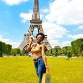 """Nouveau : Gel de fixation de contours avec cire d'abaille. Tenue et brillance maximales. Conditionne le cheveu et le cuir chevelu.   Idéale pour vos """"baby hairs"""" ! Sans sel, parabènes, silicones, colorants, DEA, formaldéhyde et huiles minérales.  La marque International Afro Love : @afroloverd 👉🏽🇫🇷👉🏽 @afrolovefrance Disponible sur notre site www.mac-and-beauty.com Livraison en France 🇫🇷 et 🇪🇺 (possibilité d'une livraison en main✋propre sur Paris uniquement sur rdv)  Merci @lylyshu94 pour la photo   #babyhair #cirecoiffante #cire #cheveux #afro #crepus #boucles #cheveuxafro #haircare #hydratation #curlyhair #cheveuxcrepus #naturelhair #soincheveux #beautyhair #cheveuxnaturel #cheveuxnaturels #picoftheday #photooftheday #instamoment #instamood #instalikes #instadaily #paris"""